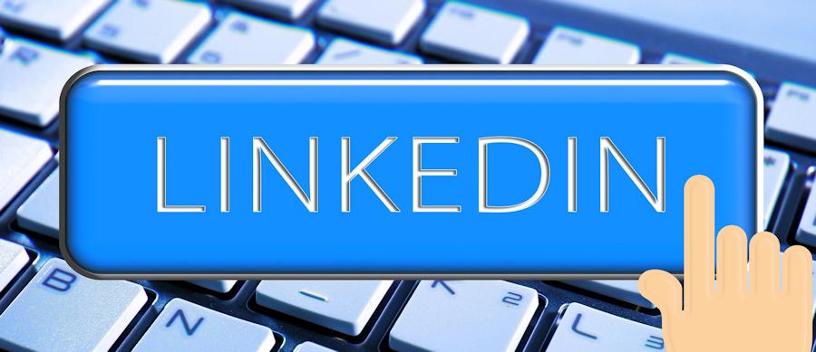 LinkedIn-on-keyboard